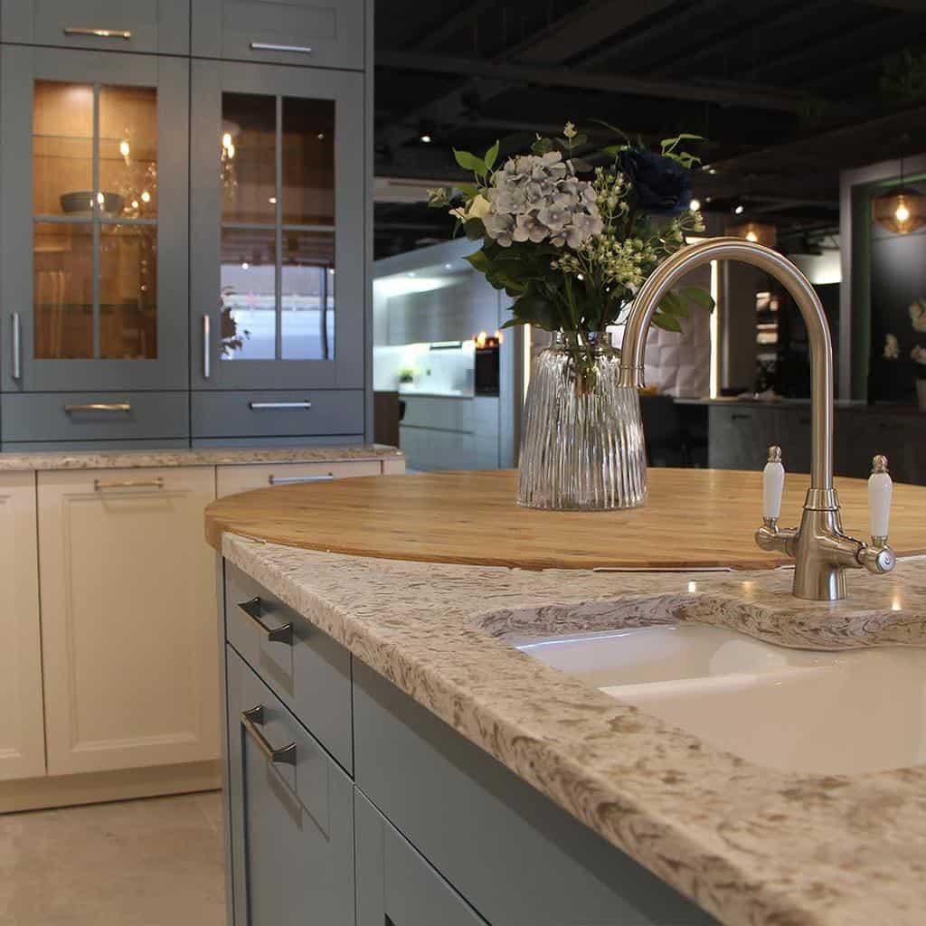 Granite Countertop Ideas -rocciatiles