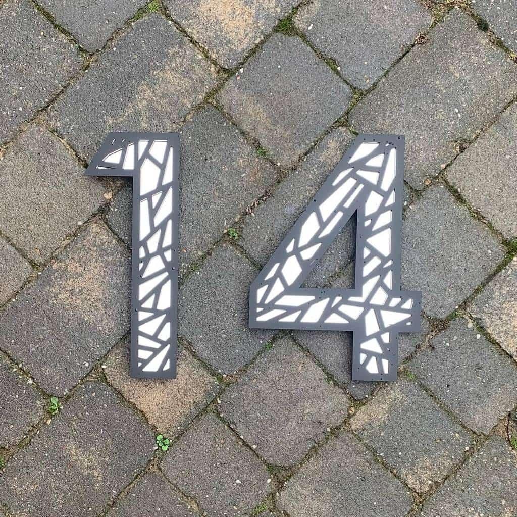 Lawn Decor House Number Ideas -kreativ_designco