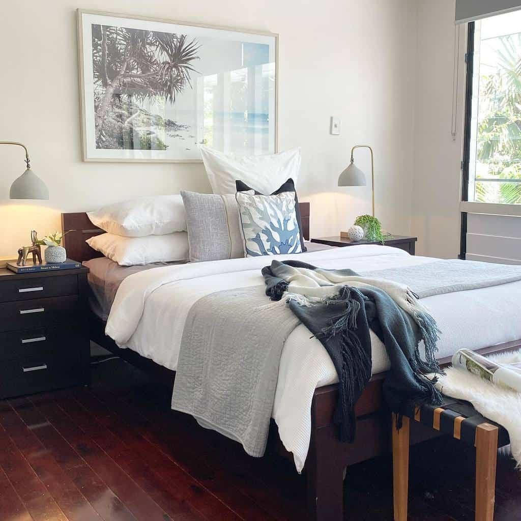Master Coastal Bedroom Ideas -amaripropertystyling