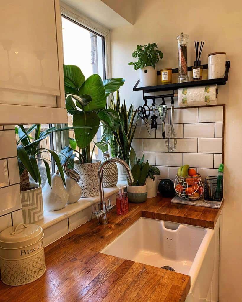Metal Kitchen Shelf Ideas -house.of.pasha