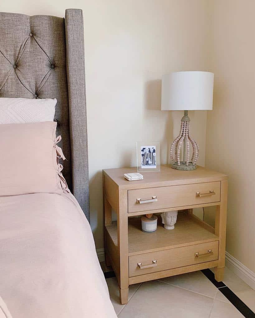 Modern Nightstand Ideas -roomsbyrio