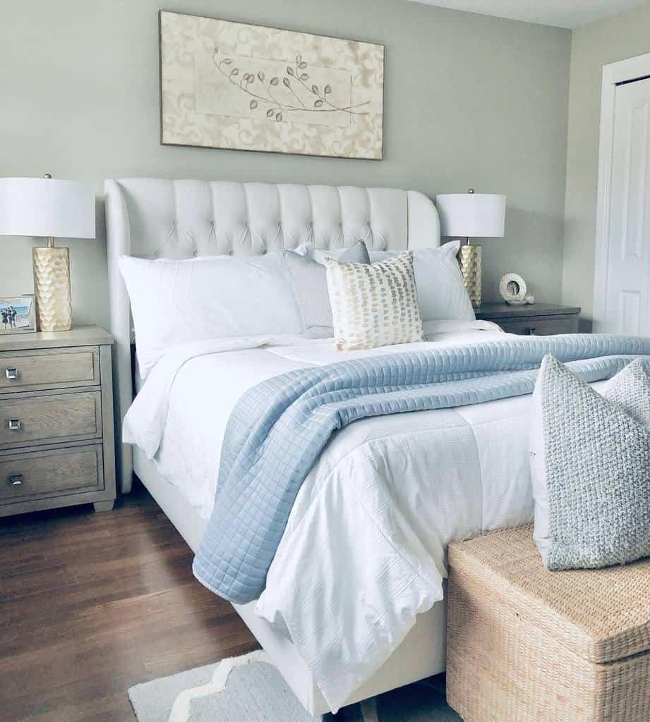 Neutral Coastal Bedroom Ideas -j_home_decor