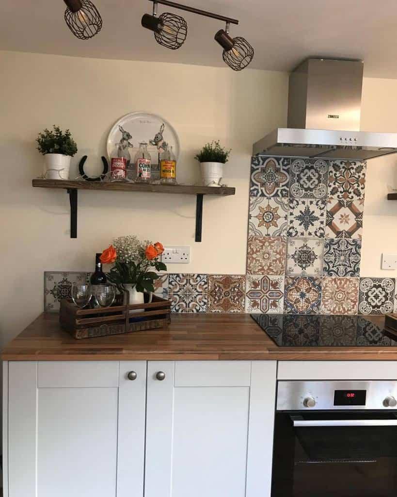 Open Kitchen Shelf Ideas -carolynjayneinteriors