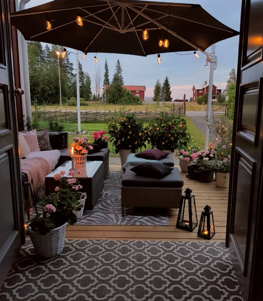 Canvas Outdoor Shade Ideas -mylittleredhouse