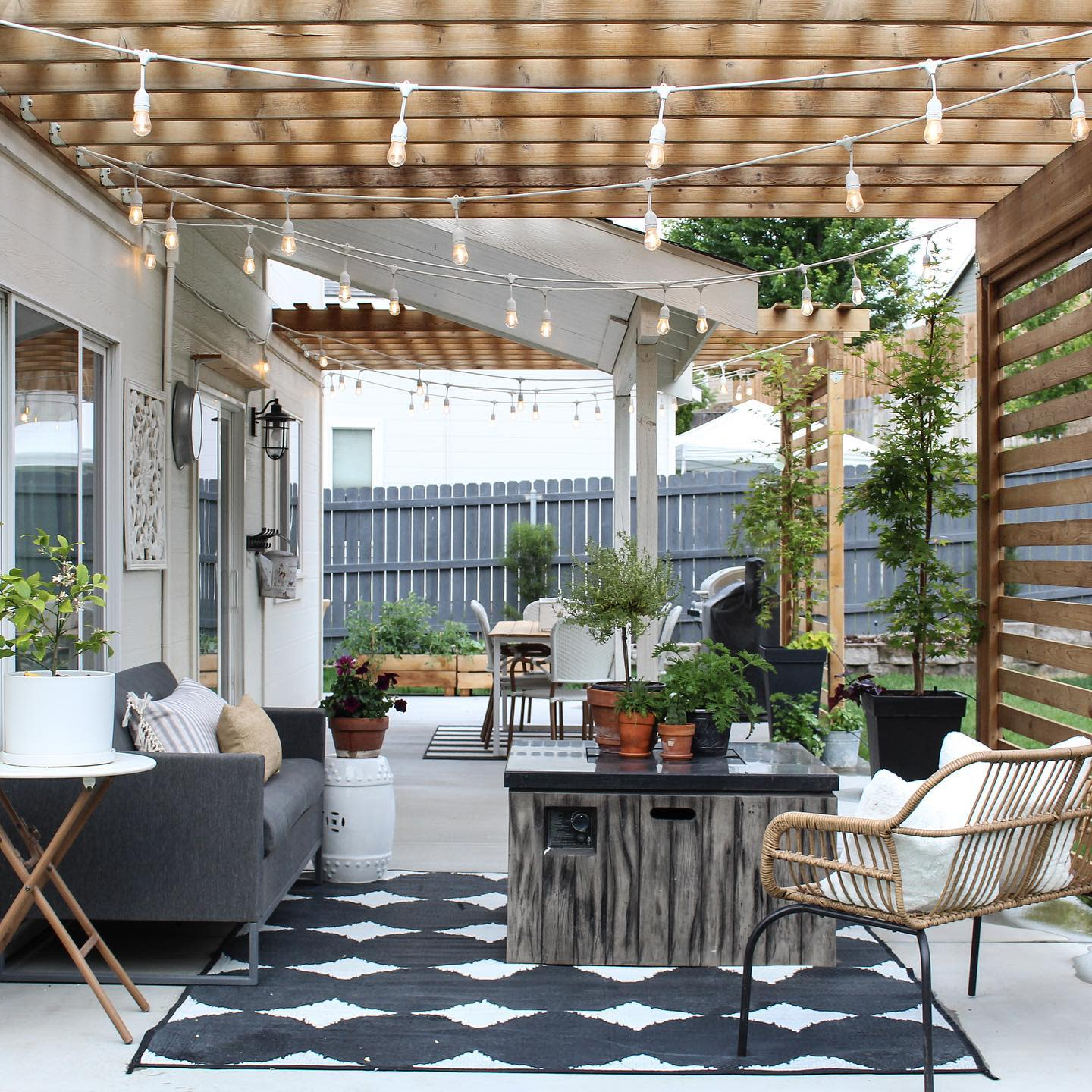 Vertical Outdoor Shade Ideas -my.humble.homestead