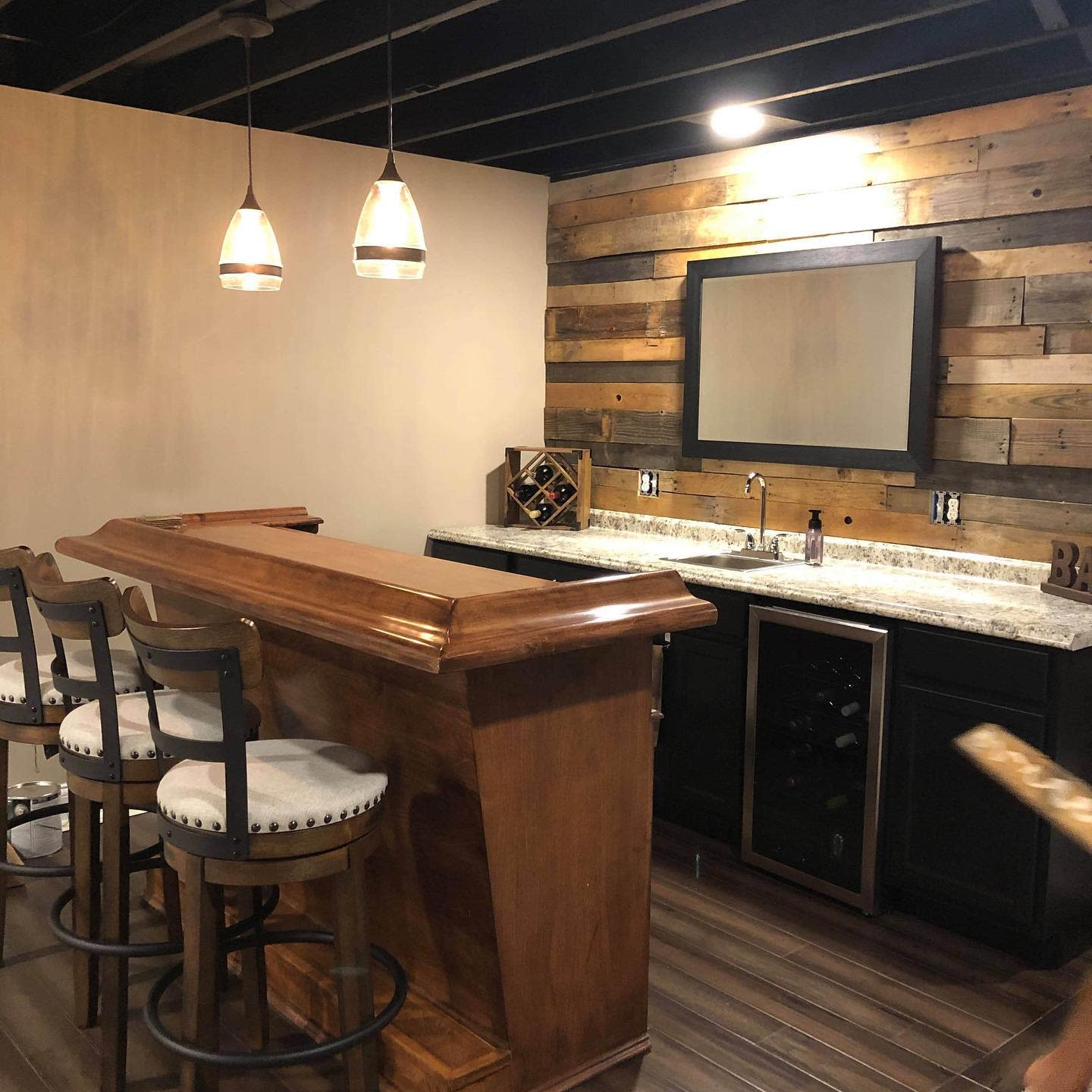 Bar Pallet Wall Ideas 2 -redfoxreclaiming