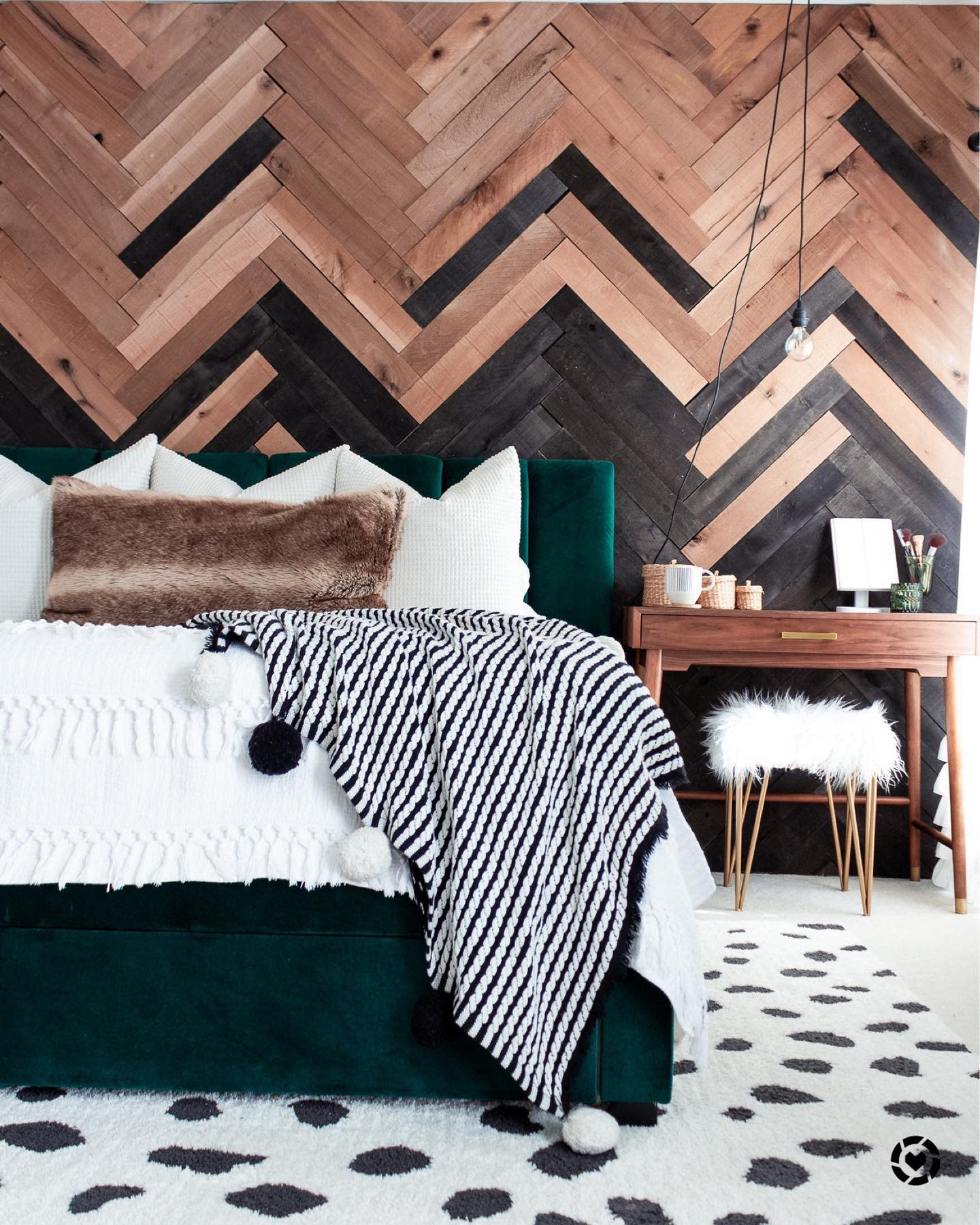 Bedroom Pallet Wall Ideas -fromgrittopearl