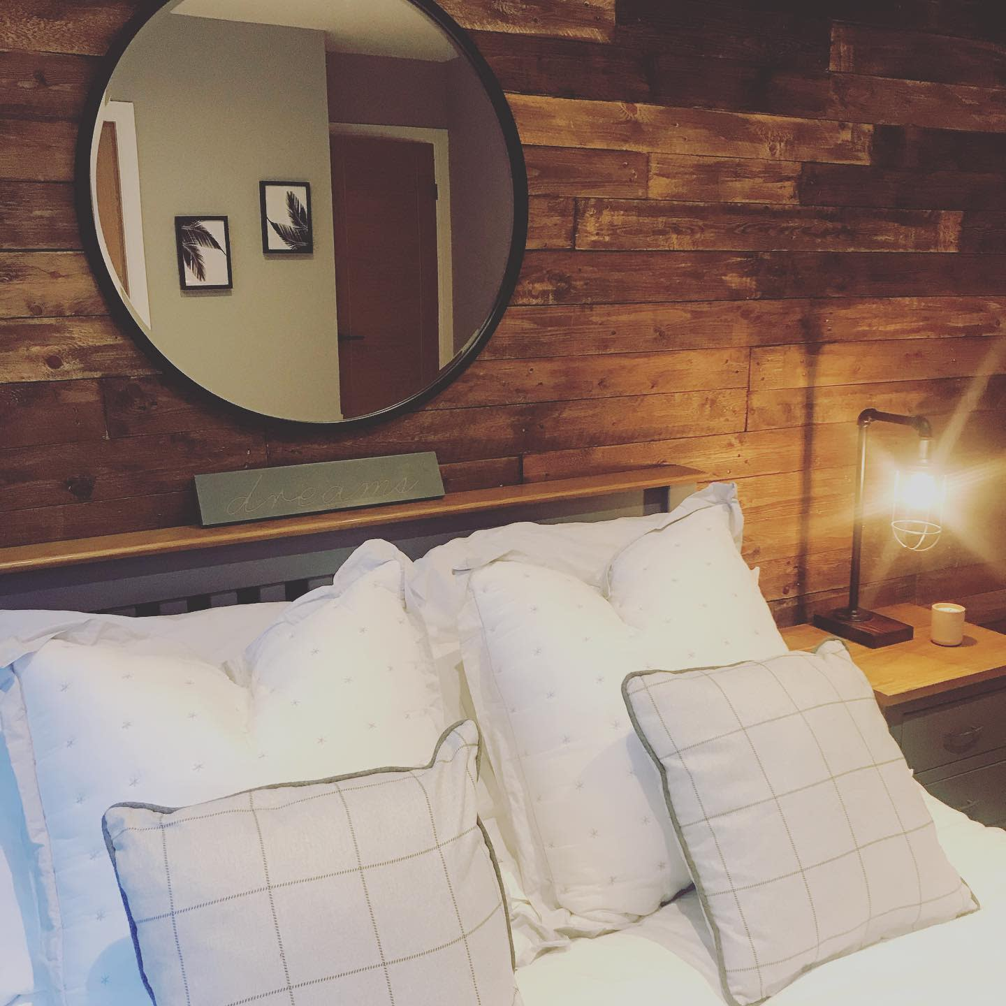 Bedroom Pallet Wall Ideas -thehalfdonehome