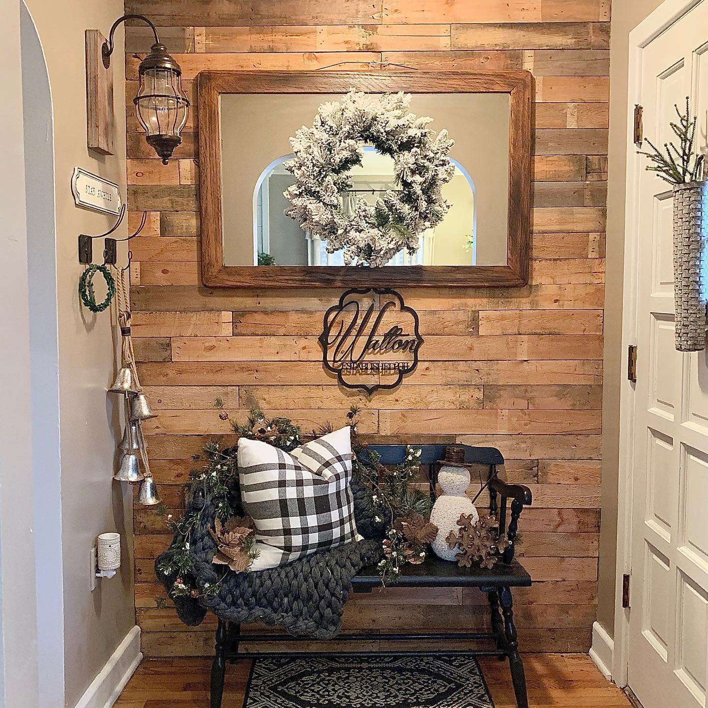 Interior Pallet Wall Ideas -the_oldmill_home