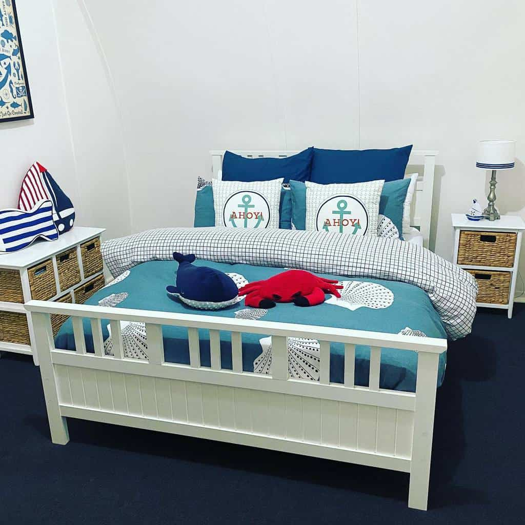 Small Coastal Bedroom Ideas -crabhollow
