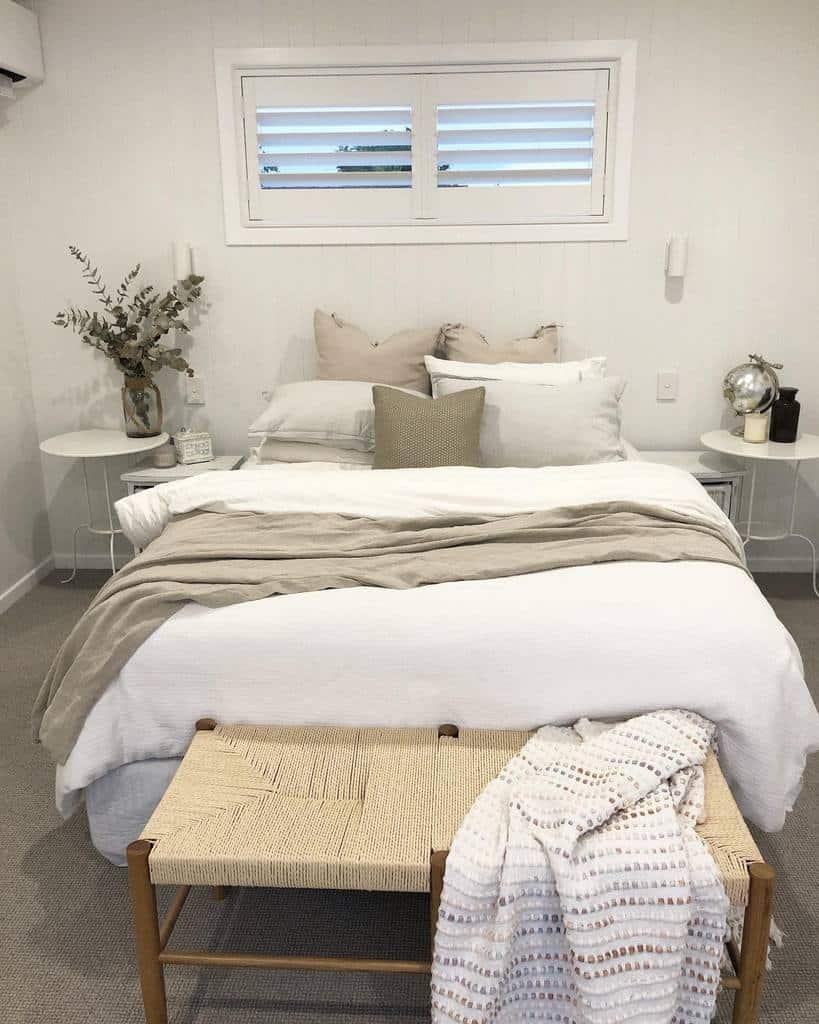 Small Coastal Bedroom Ideas -reno_gals