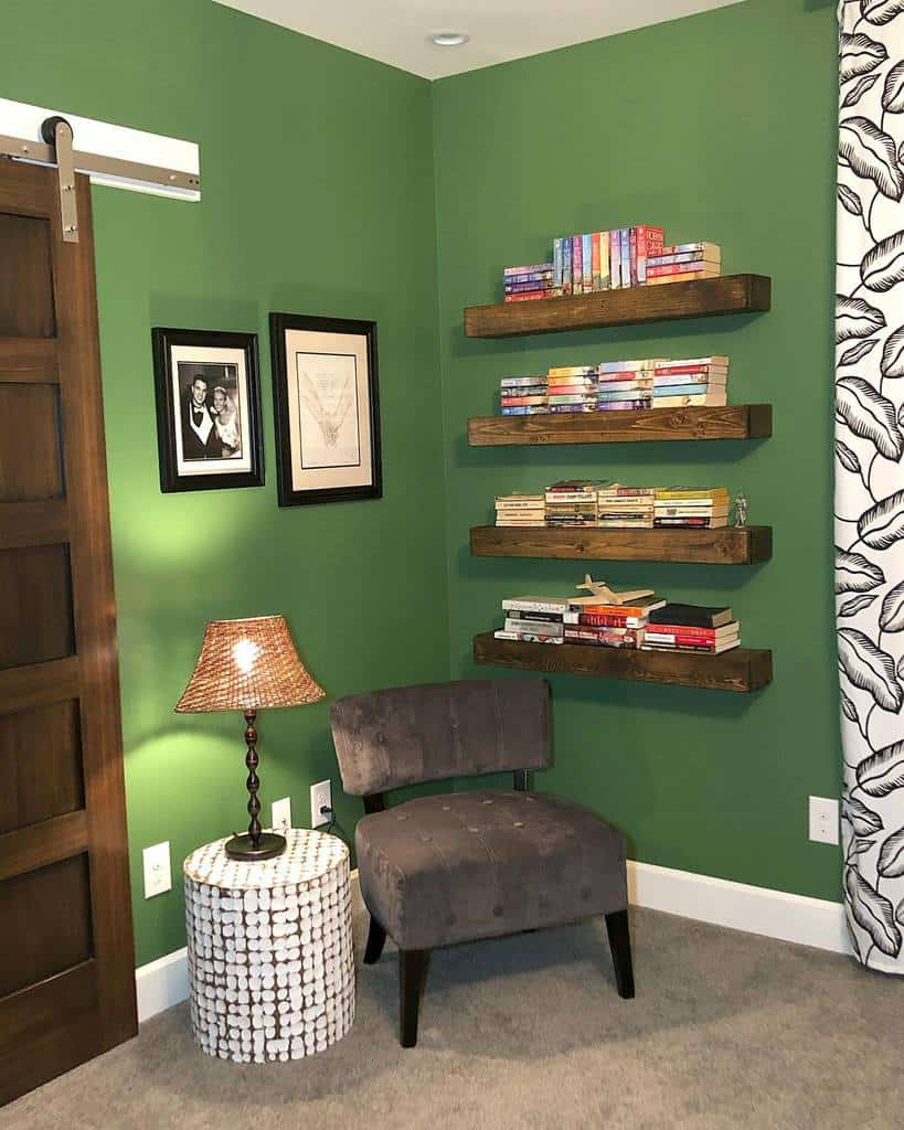 Small Floating Shelves Ideas -chyracarmelle