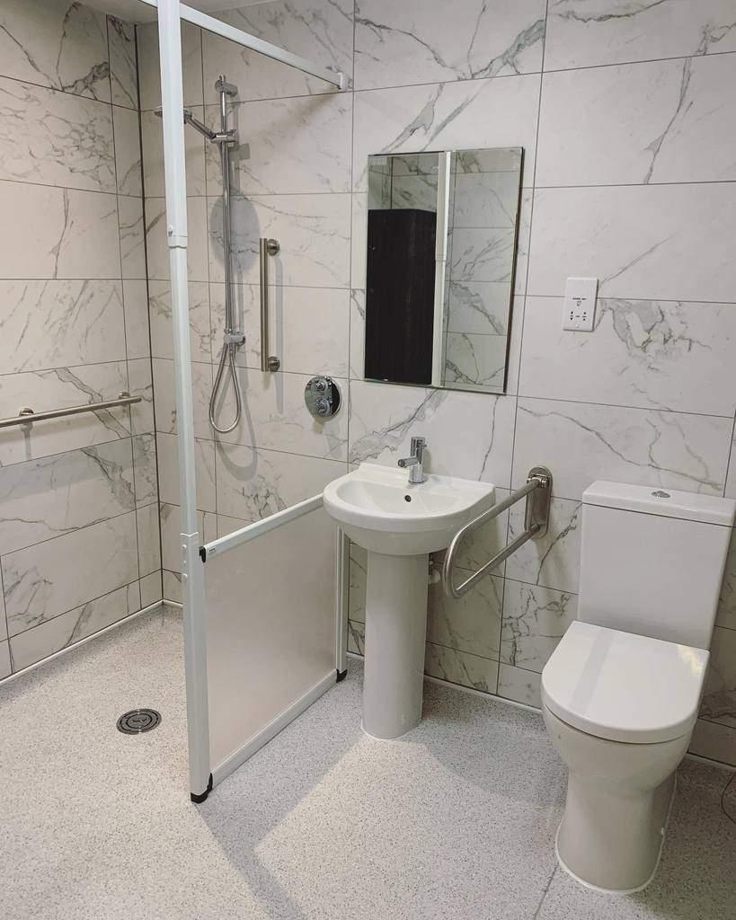 Small Wet Room Ideas -plumb_bristol