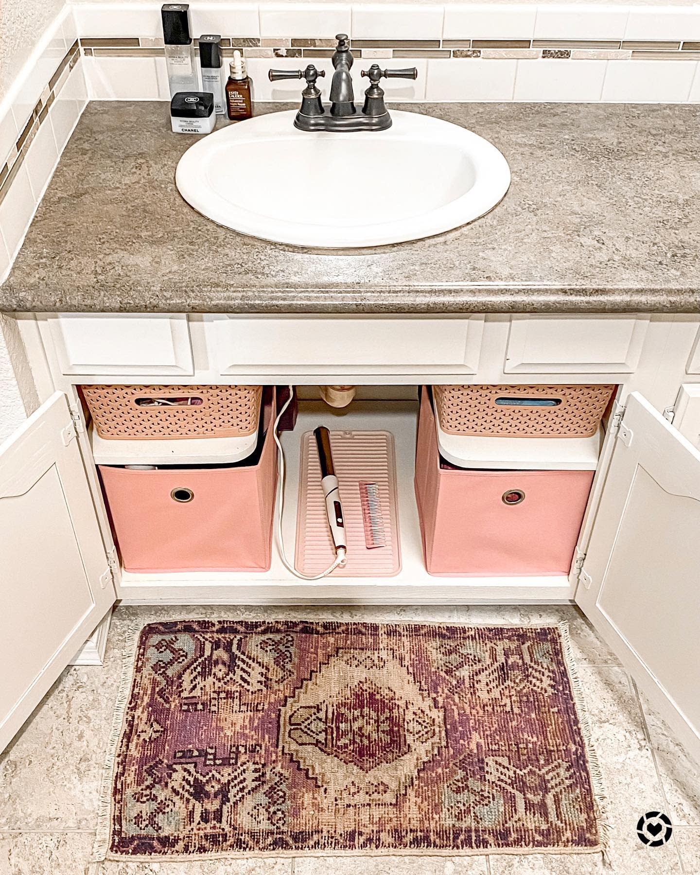 Bathroom Space Saving Ideas -yours_truly_julie23