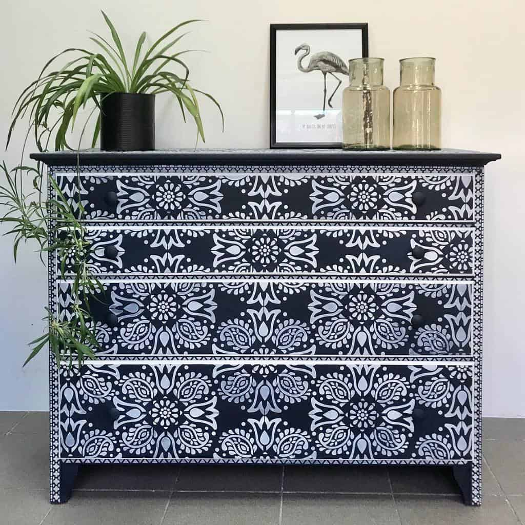 Stencil Chalk Paint Furniture Ideas -farbarela