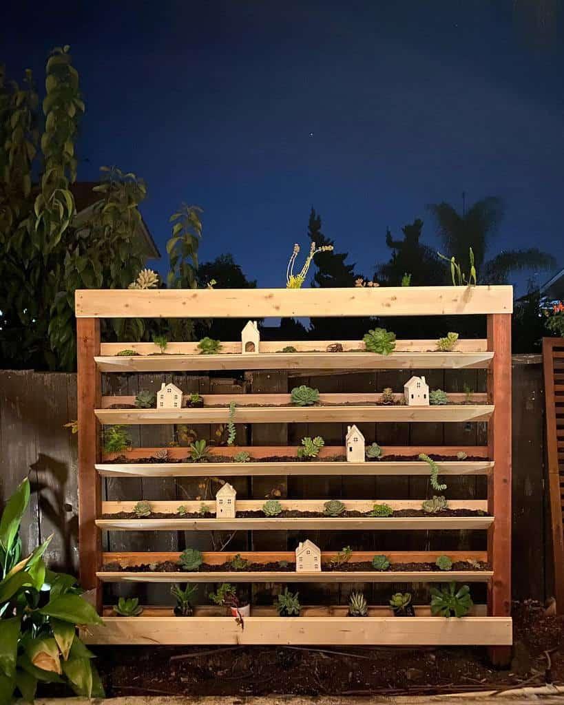 Vertical Succulent Garden Ideas -bikesbeerandgrub
