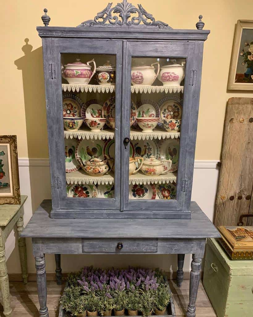 Vintage Chalk Paint Furniture Ideas -vintage_painted_charm