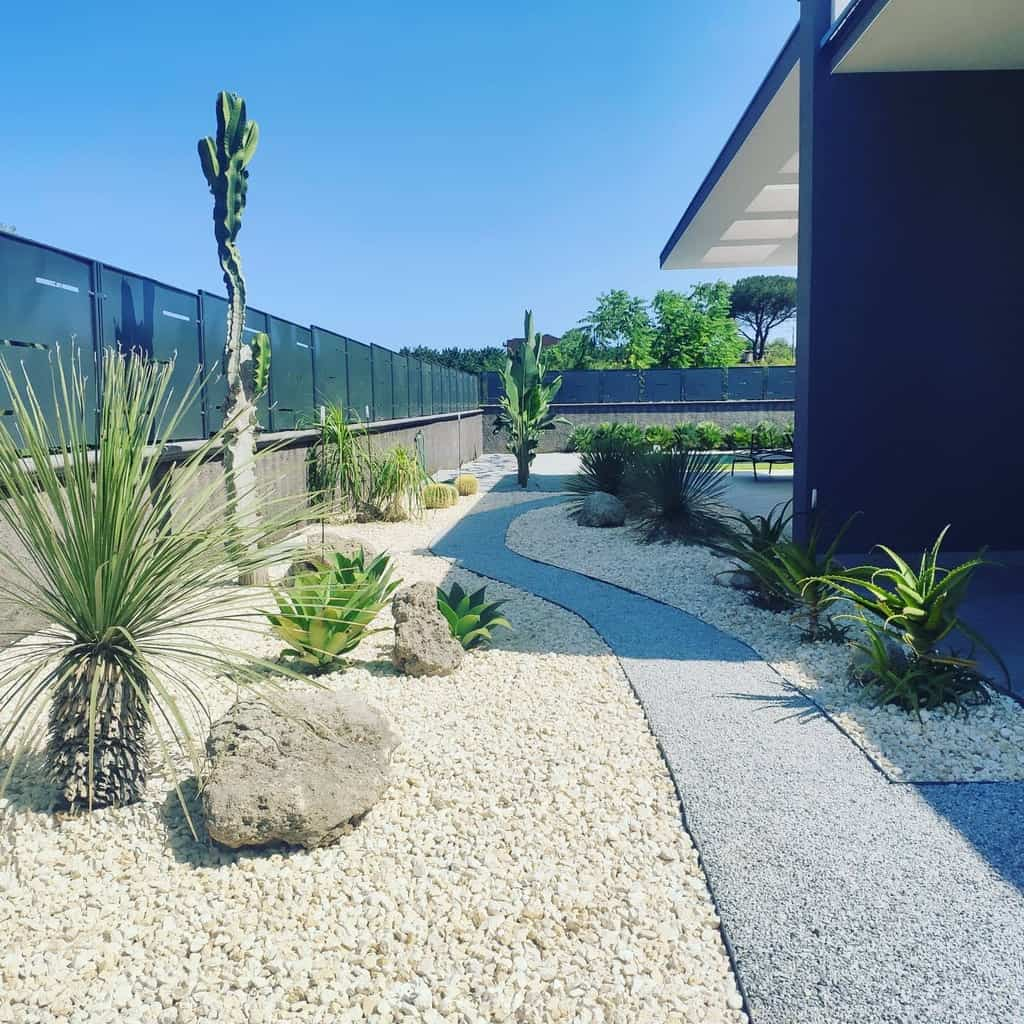 Walkway Xeriscape Ideas -greentechsrl