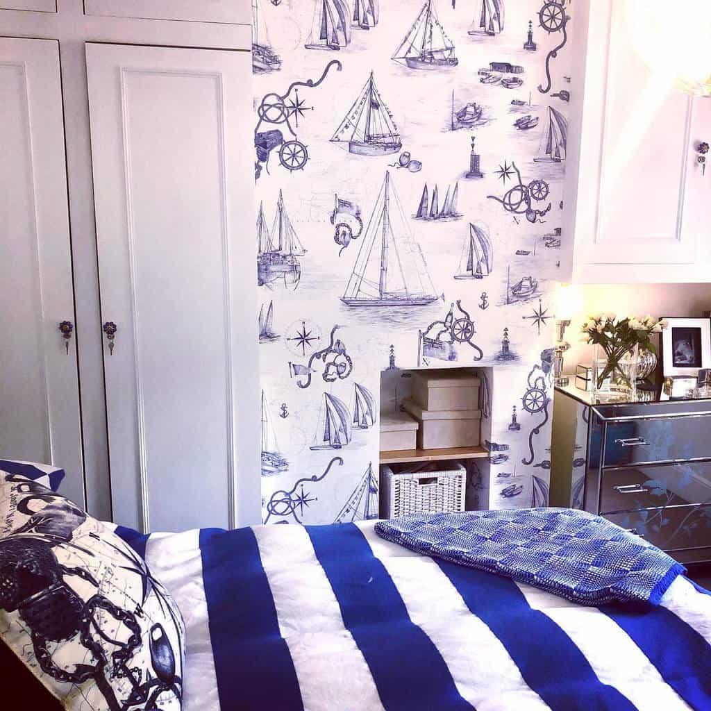 Wall Coastal Bedroom Ideas -xvstripes