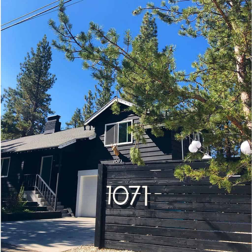 Wall or Fence House Number Ideas -theblackabode