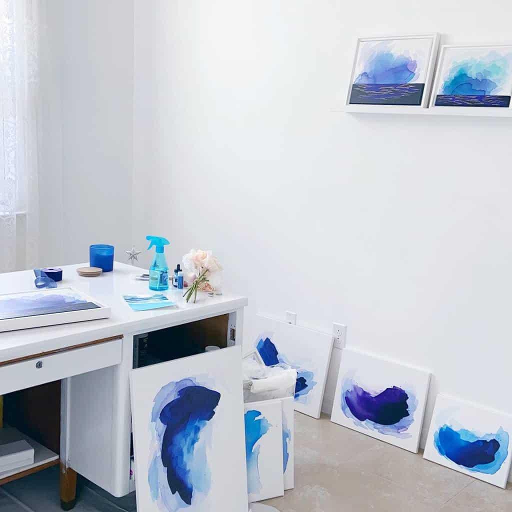 White Art Studio Ideas -artbyisla
