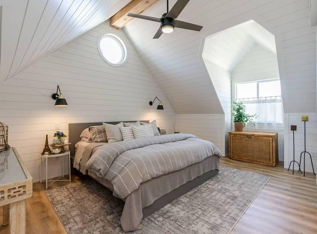 White Coastal Bedroom Ideas -re.vive.constructionxdesign