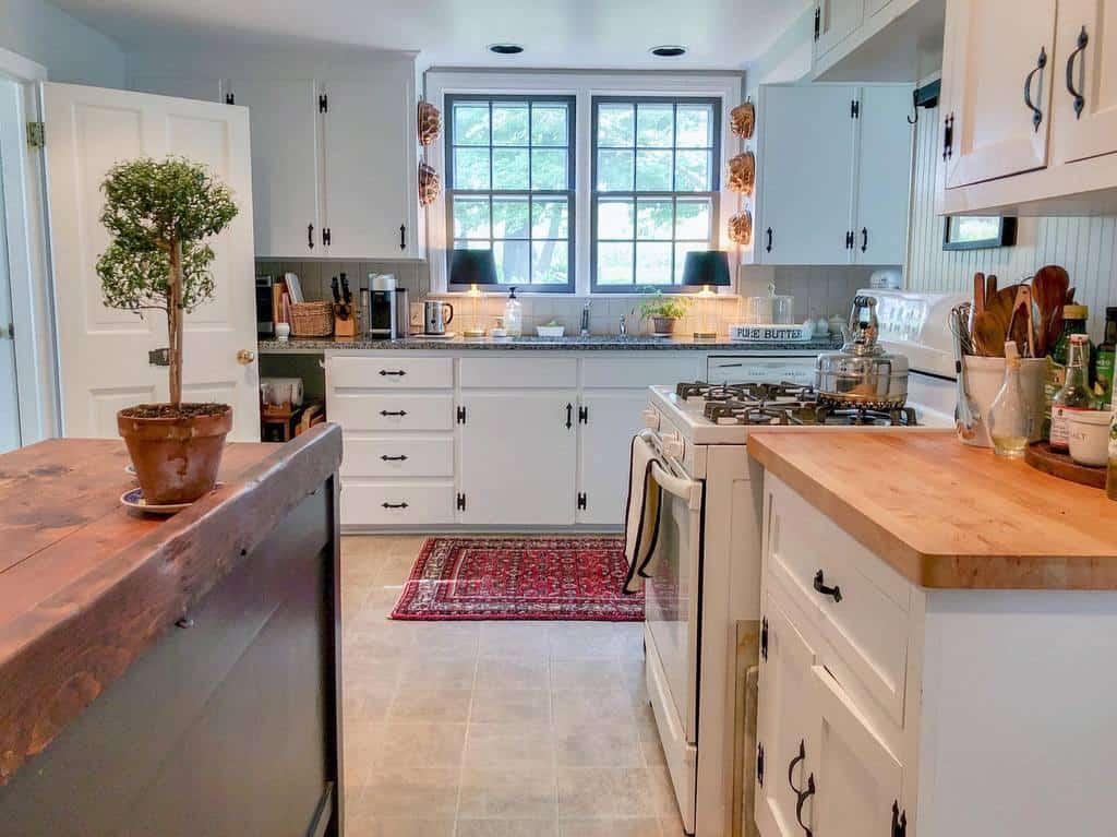 White Kitchen Shelf Ideas -mandyenohome