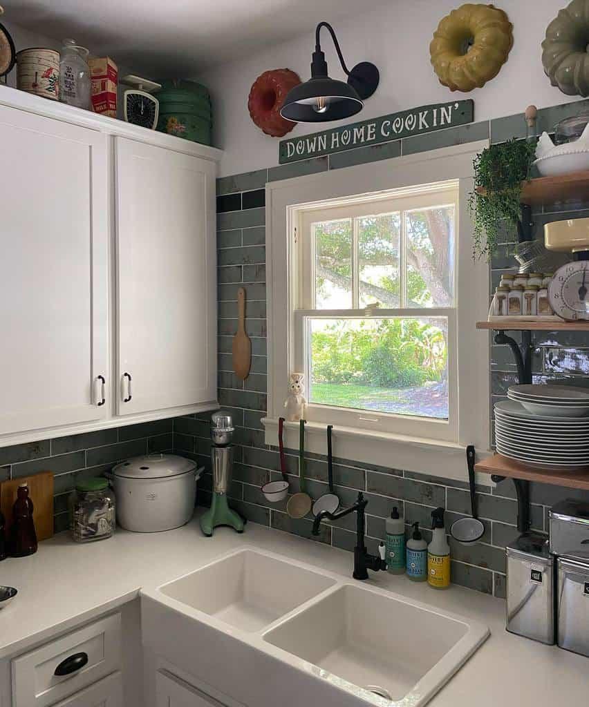 White Kitchen Shelf Ideas -vintageverovibes