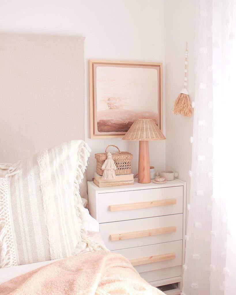 White Nightstand Ideas -sculptureyourhome