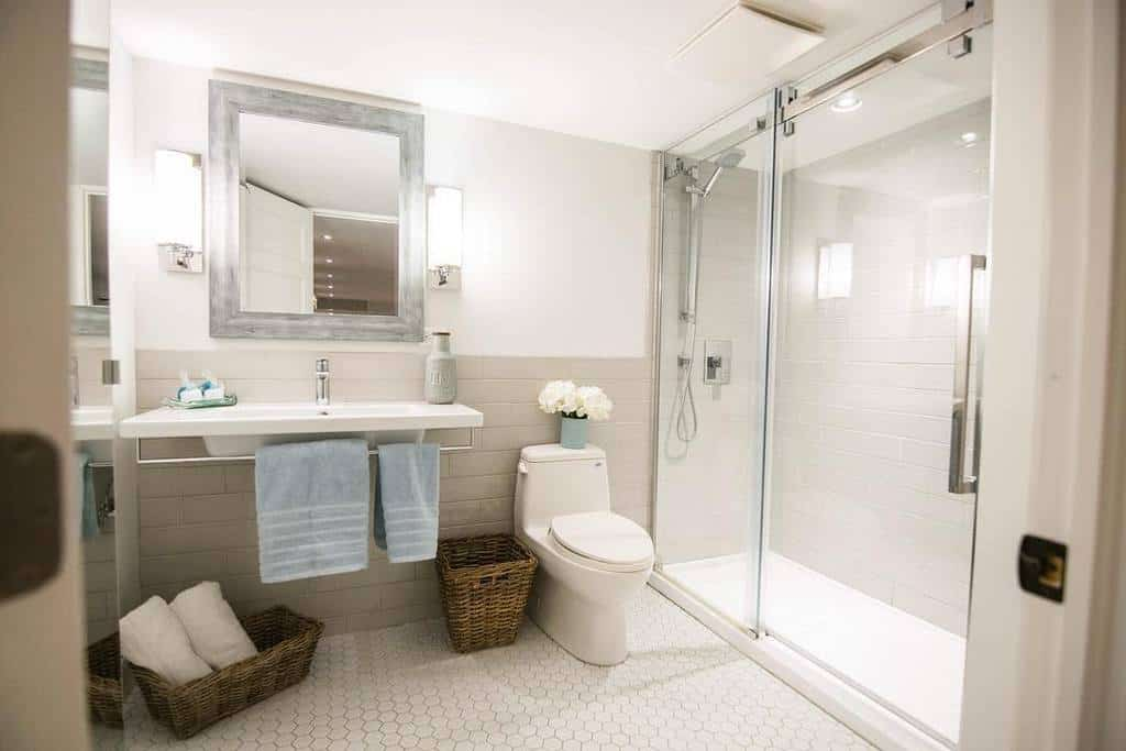 White Wet Room Ideas -laurieyappdesign