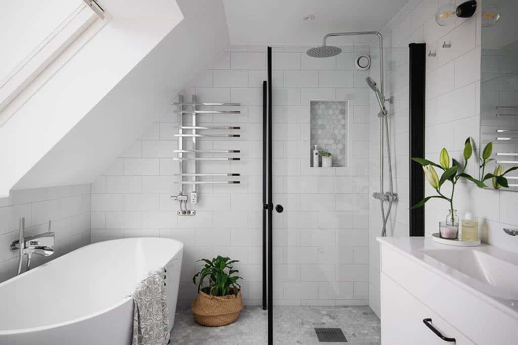 White Wet Room Ideas -oskars.photography