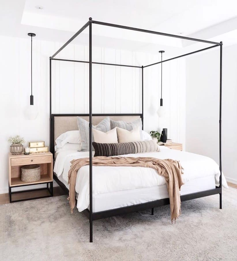 Frame Canopy Bed Ideas -queencity_realestate