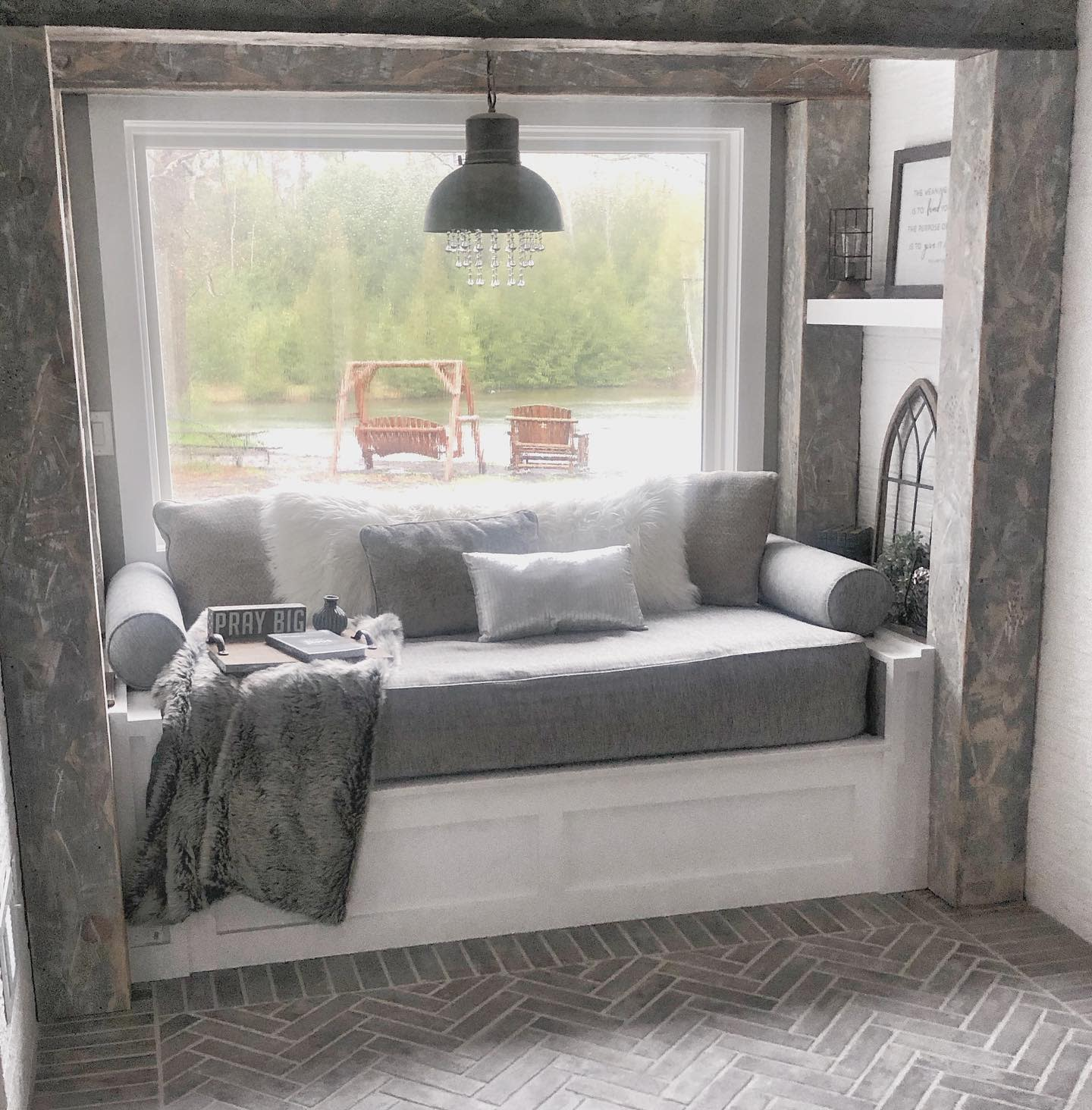 Built-in Daybed Ideas -kira_turner