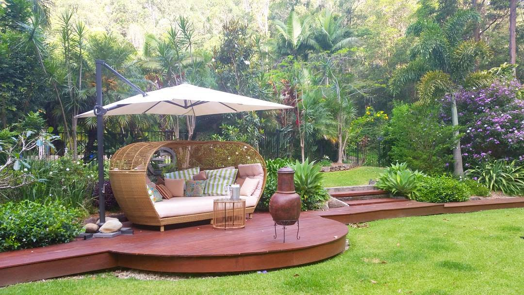 Outdoor Daybed Ideas -bonogin_soil