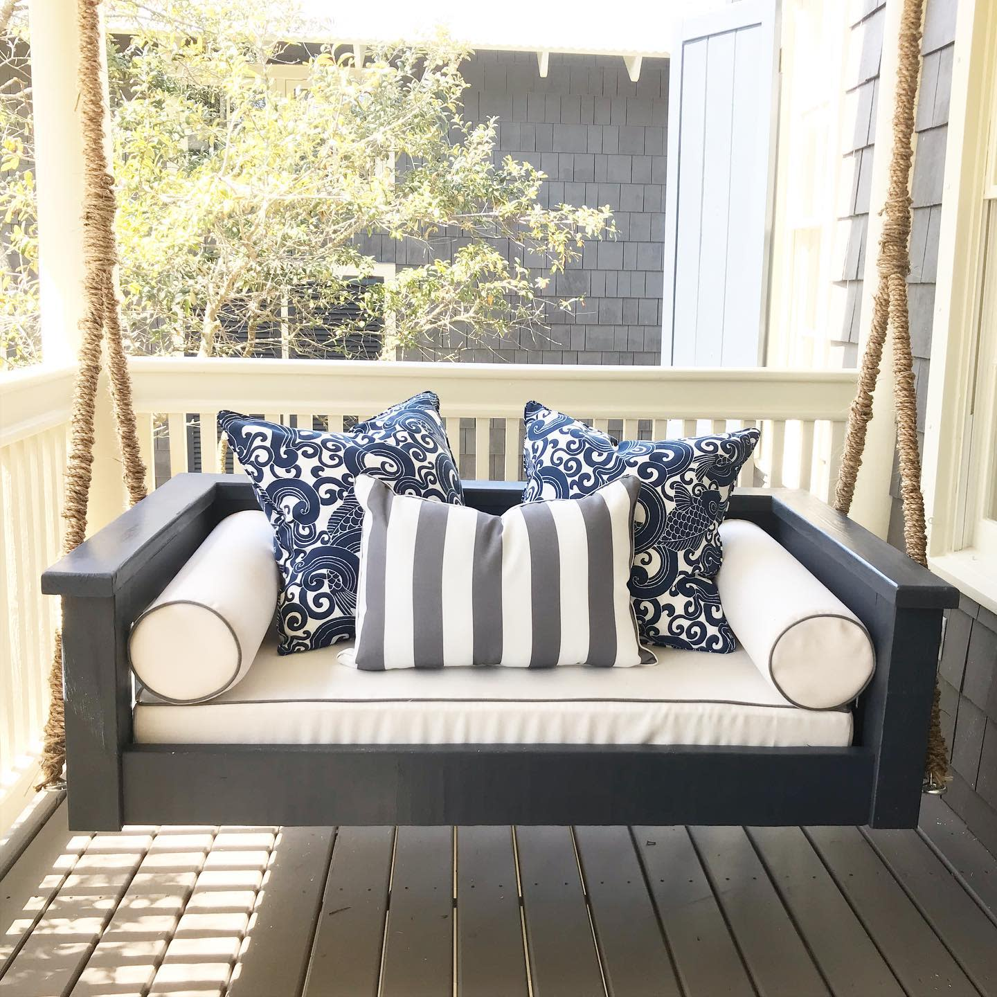 Swing Daybed Ideas -sceniclifestyledesigns