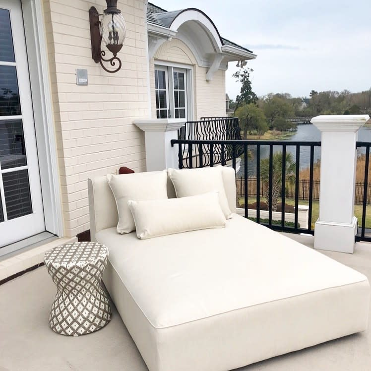 Upholstered Daybed Ideas -dverdidesigns