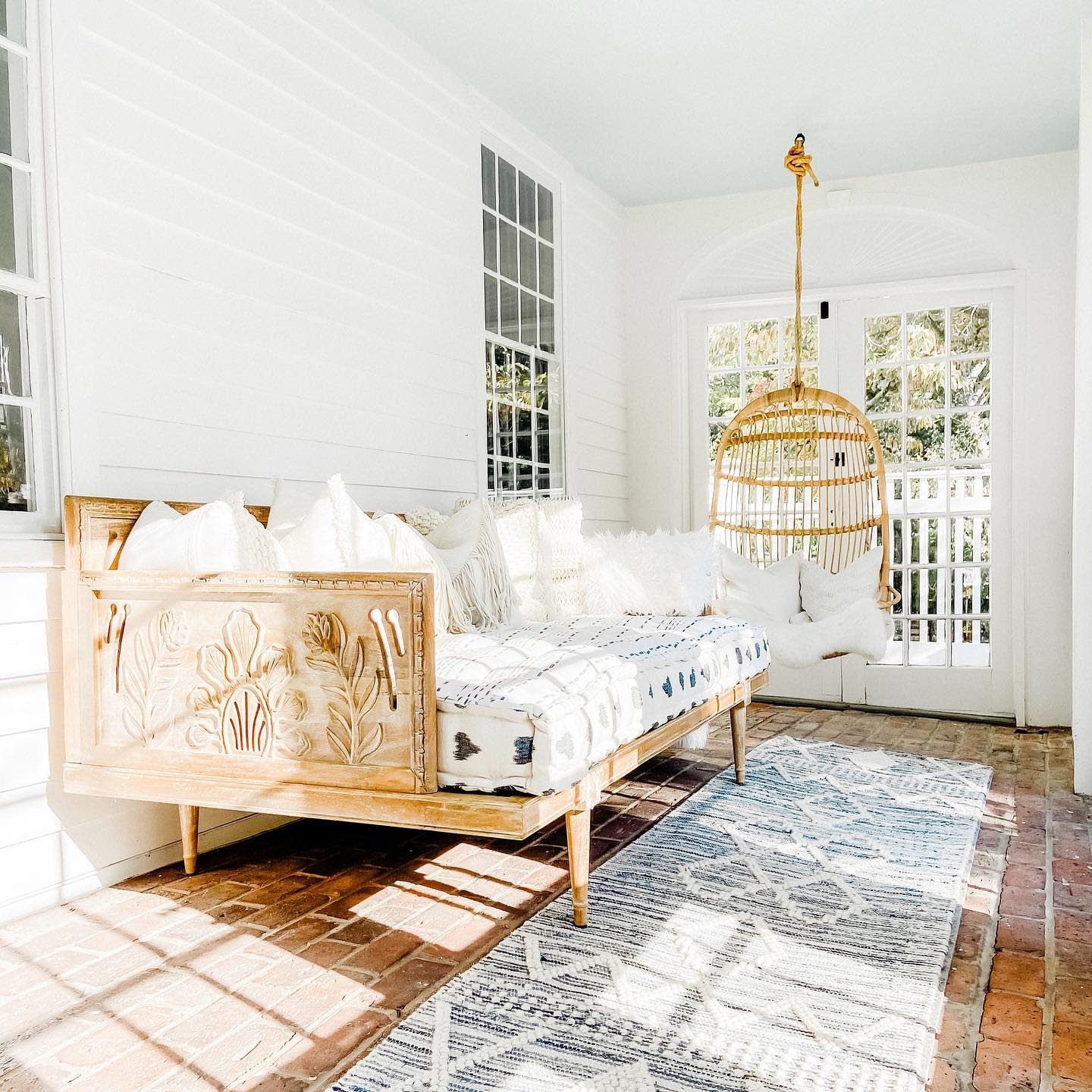 Wood Daybed Ideas -smithandscout
