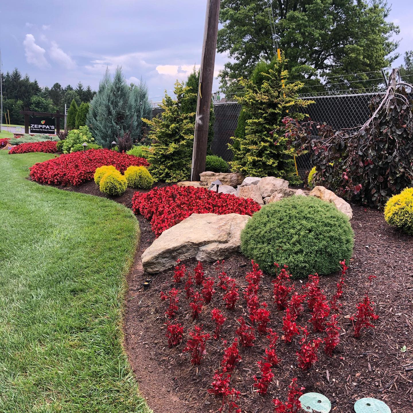 Rock Low Maintenance Landscaping Ideas -a_service_for_every_season