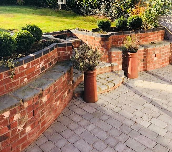 Simple Low Maintenance Landscaping Ideas -the_brickdoctor