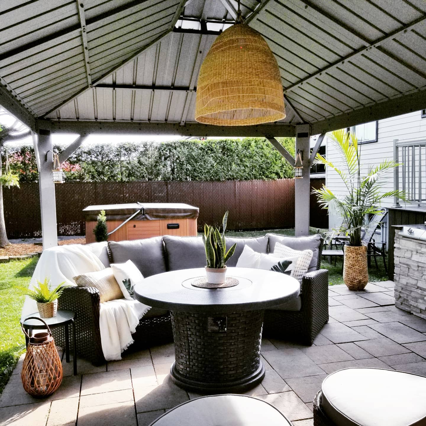 Covered Outdoor Room Ideas -thalie.29