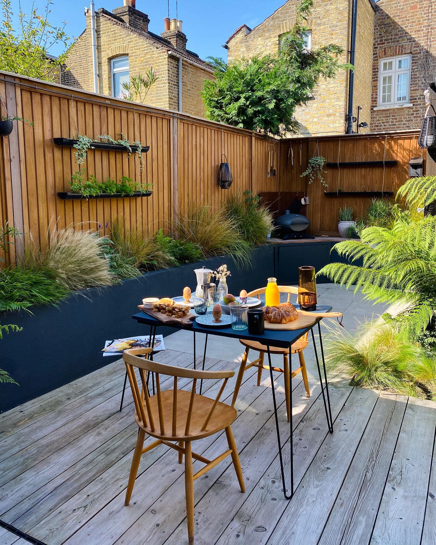 Fence Outdoor Wall Decor Ideas -the_wooden_hill
