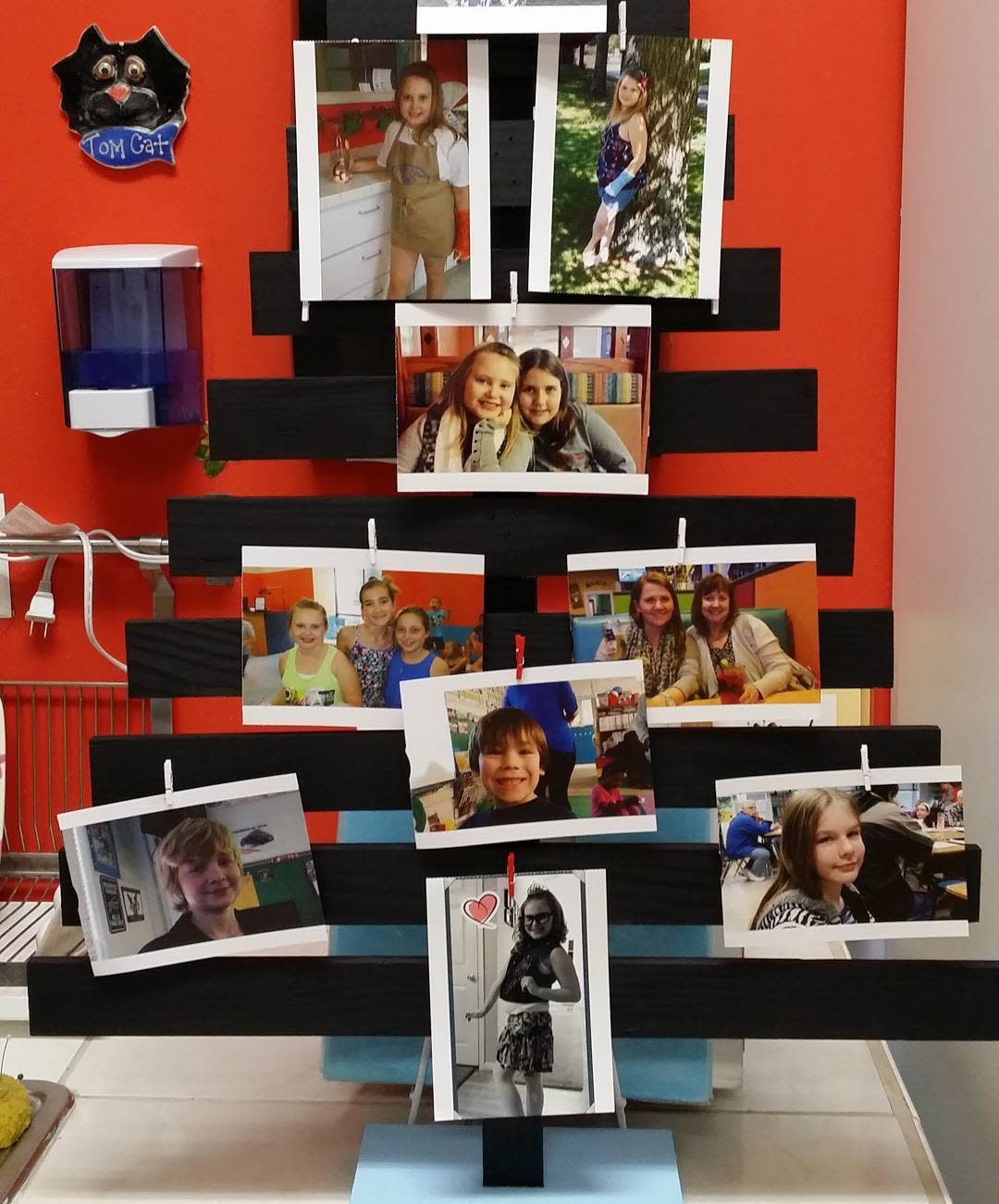 Family Photo Display -picnpaintpottery