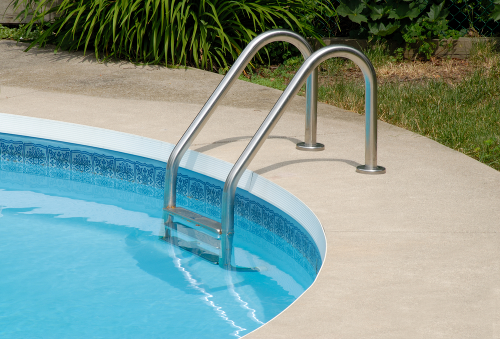 Poured-in Concrete Pool Coping Ideas 2