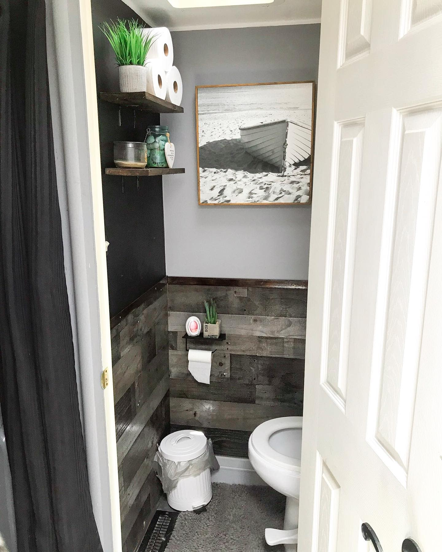 Rustic RV Decorating Ideas -huskytails_and_nomadictrails