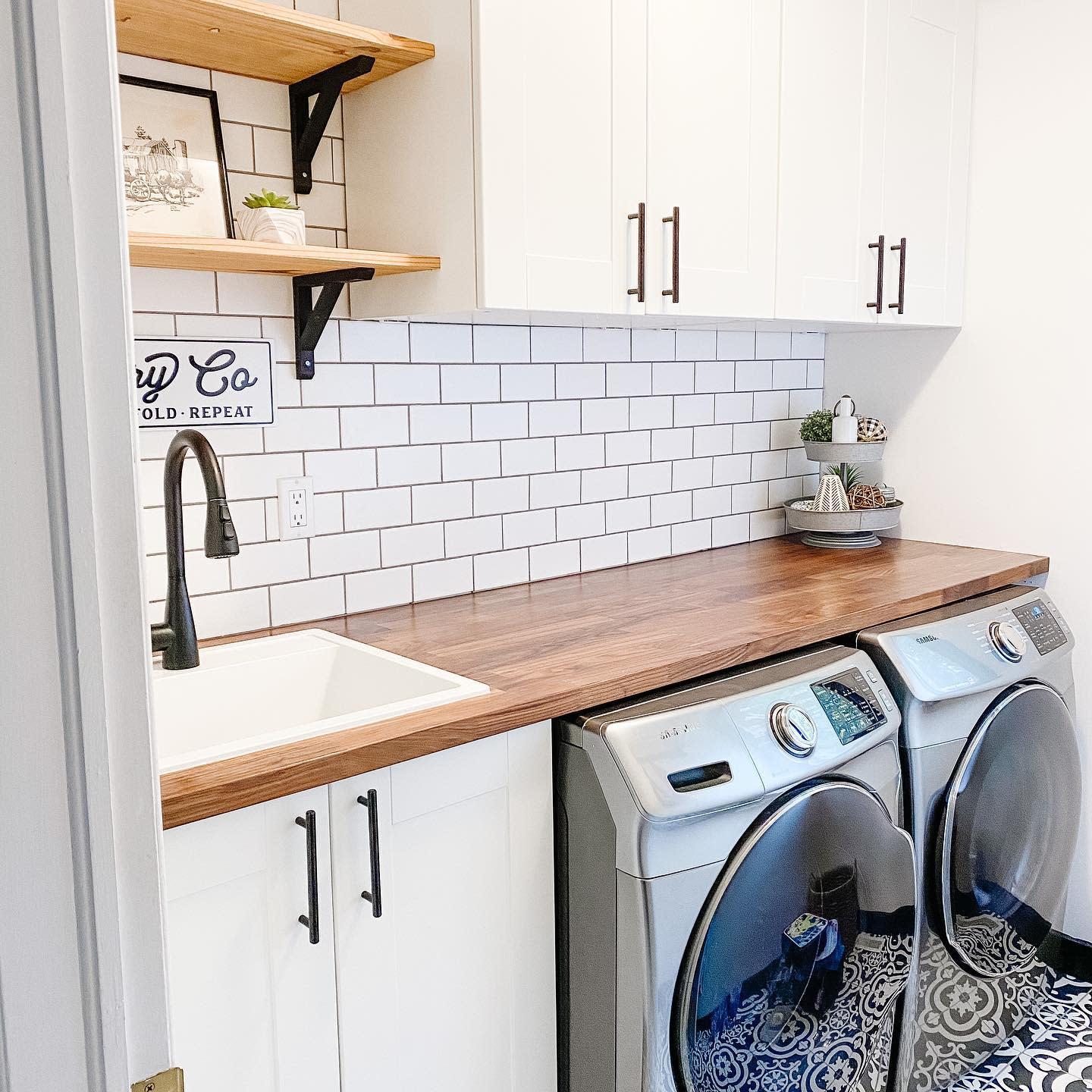 Laundry Room Wood Countertop Ideas -movingtheoldies