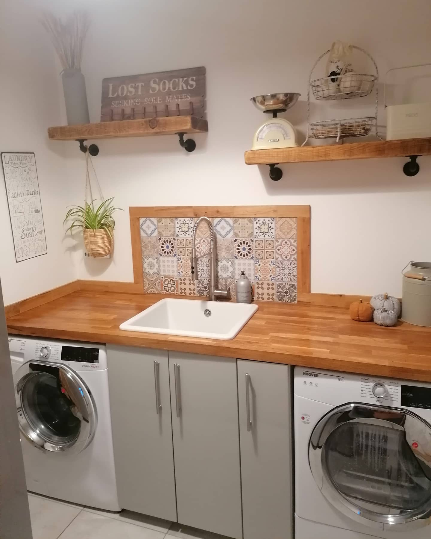 Laundry Room Wood Countertop Ideas -shelovesbeinghome