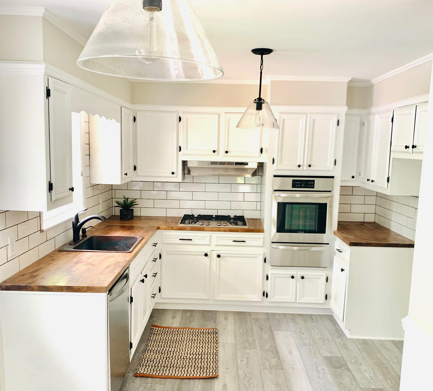 White Interior Wood Countertop Ideas -sunshineandturquoise