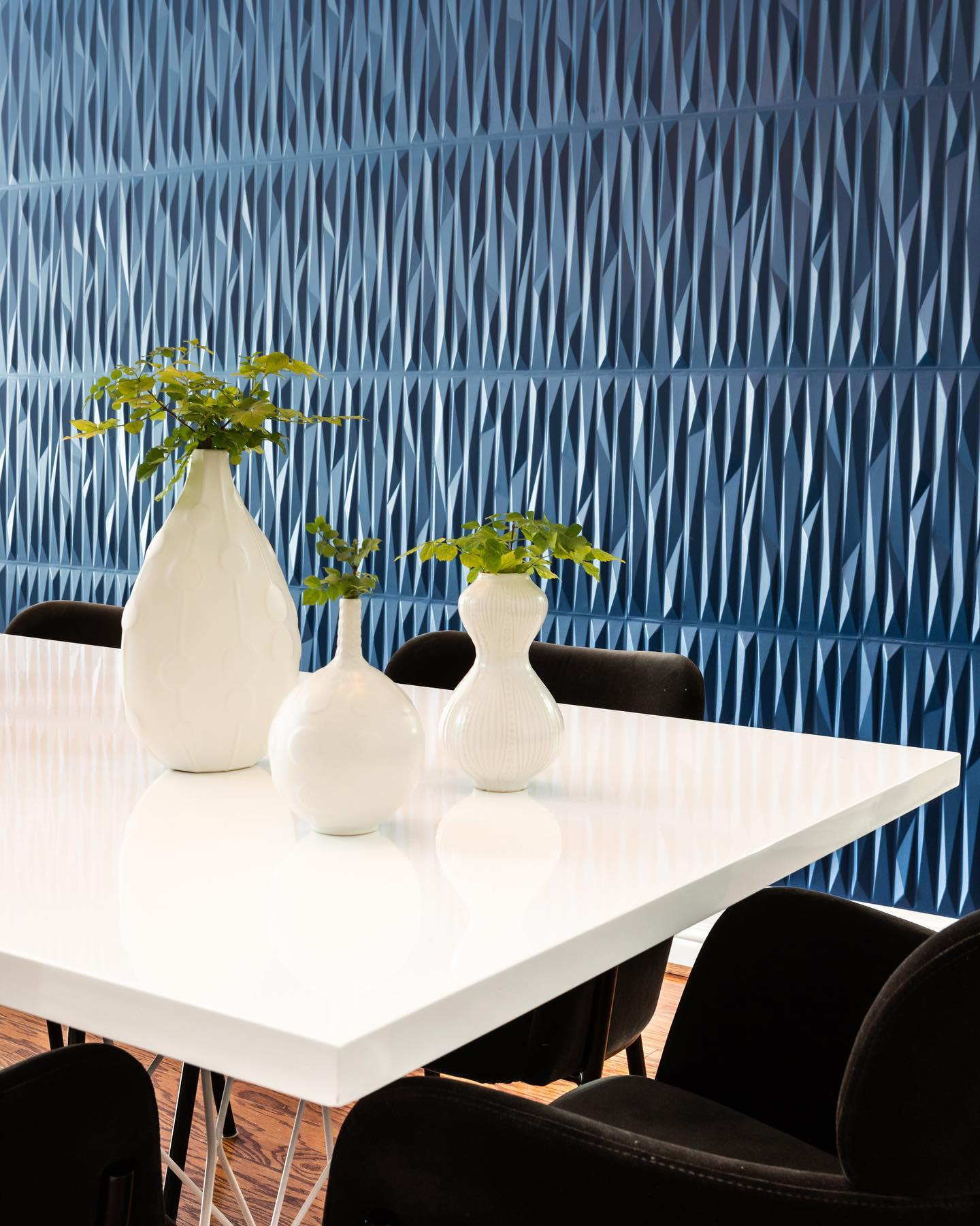 Accent Dining Room Wall Decor Ideas -heyjuliemaigret