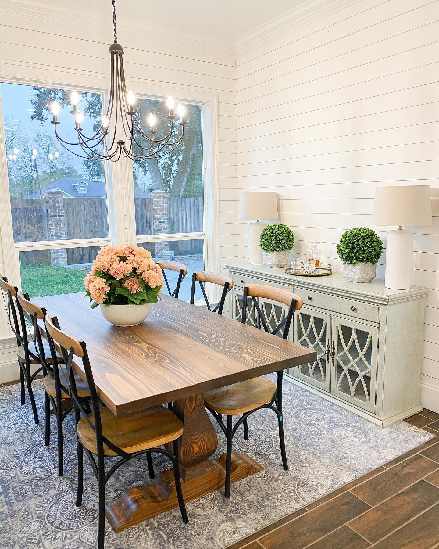 Flowers Dining Table Centerpiece Ideas -the.casey.cottage