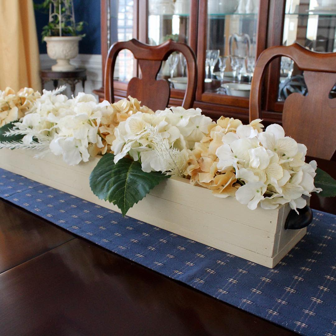 Flowers Dining Table Centerpiece Ideas -thiscustommadelife